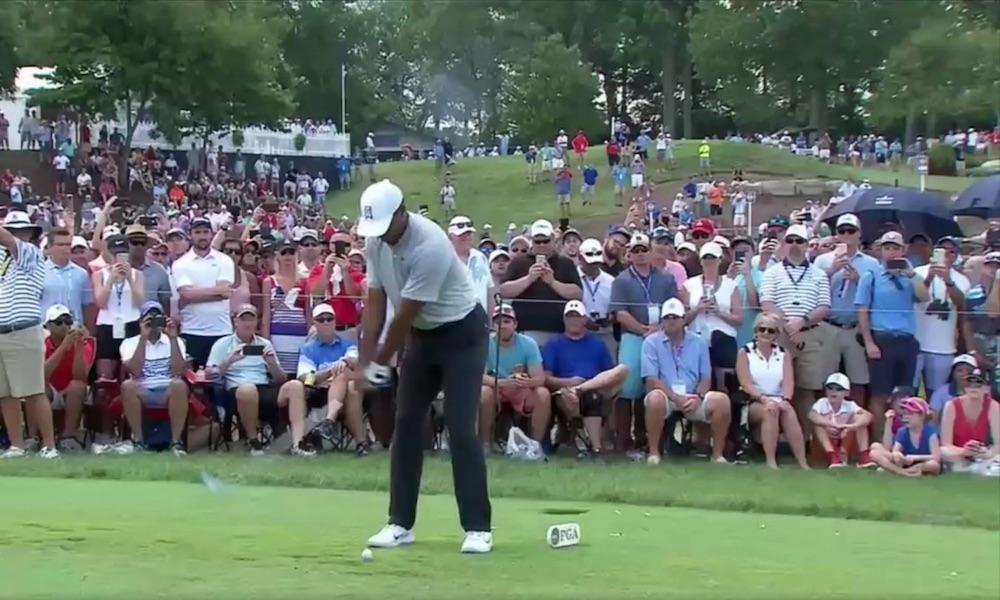 Tiger Woodsista otettujen kuvien välillä meni 18 vuotta ja muutos Golf-turnauksiin saapuvassa yleisössä on järjettömän suuri.