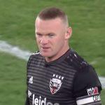 Wayne Rooney iski mielettömän osuman puolen kentän takaa. MLS-sarjassa palloileva 33-vuotias englantilaisen potkutaidot näyttävät olevan tallella.