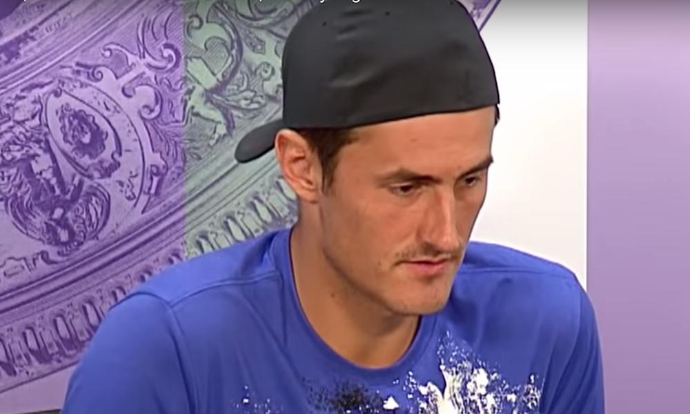 Bernard Tomicilta tahallinen häviö Wimbledonissa? Wimbledonin tennisturnauksessa nähtiin ensimmäisellä kierroksella puhetta herättävä ottelu.