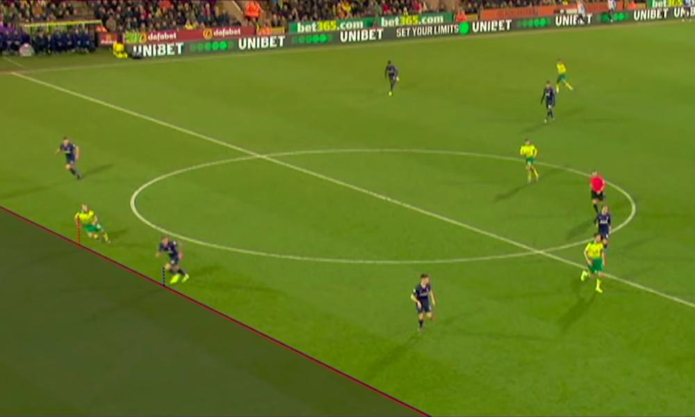 Onko VARin tarkoitus todella tappaa jalkapallo? Niin siinä käy, jos tällaiset millimetrien paitsiot, kuten Teemu Pukin kohdalla kävi, tarkistetaan videolta ja maali hylätään sen seurauksena.