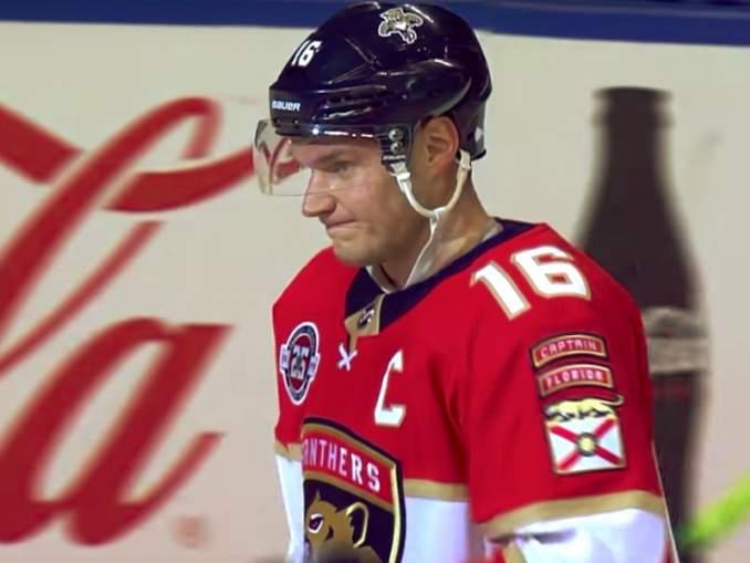 Alexander Barkovilta tunteikas viesti ex-joukkuekaverille Vincent Trocheckille. Siirto osottaitui varsin raskaaksi ainakin Floridan suomalaistähdelle.