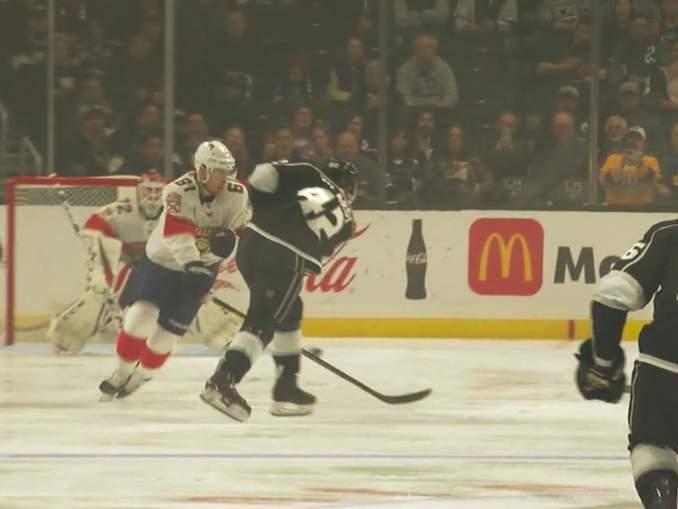Gabriel Vilardilla uskomaton alku NHL-uralle: ehti olla kaukalossa vain muutaman sekunnin ja maalasi ensimmäisellä laukauksellaan.