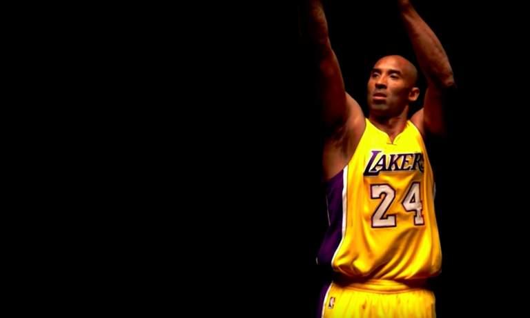 Lakers muisti Kobea upealla tavalla, kun joukkue asteli kentälle ensimmäisen kerran sitten tuon karmivan tragedian.