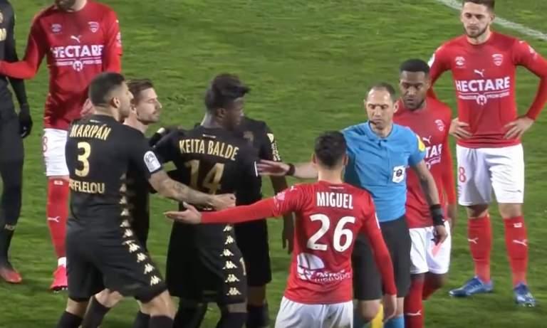 Monacon hyökkääjä sai 6 kuukauden pelikiellon helmikuun alussa käydyn tilanteen takia. Gelson Martinstönäisi tuomaria rinnasta, Ligue 1:en ottelussa.