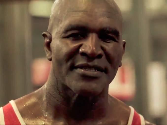 Evander Holyfield vastasi Mike Tysonille oman treenivideonsa muodossa ja osoitti olevansa niin ikään hurjassa tikissä.