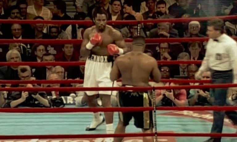Lennox Lewis palaa nyrkkeilykehään Mike Tysonin ja Evander Holyfieldin tavoin.