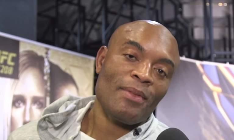 Roy Jones Jr haluaa ottelun UFC-legendan Andersen Silvan kanssa, kunhan hän on selvinnyt paluuottelusta Mike Tysonin kanssa.