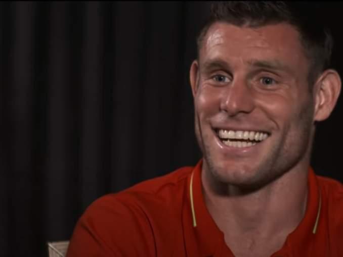 Liverpool juhli pokaalin kanssa - James Milner pilkkasi Unitedia.