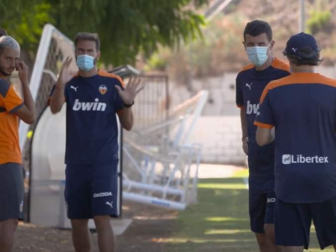 Valencia kärsii isosti koronaviruksesta - lähes koko joukkue myytävänä.