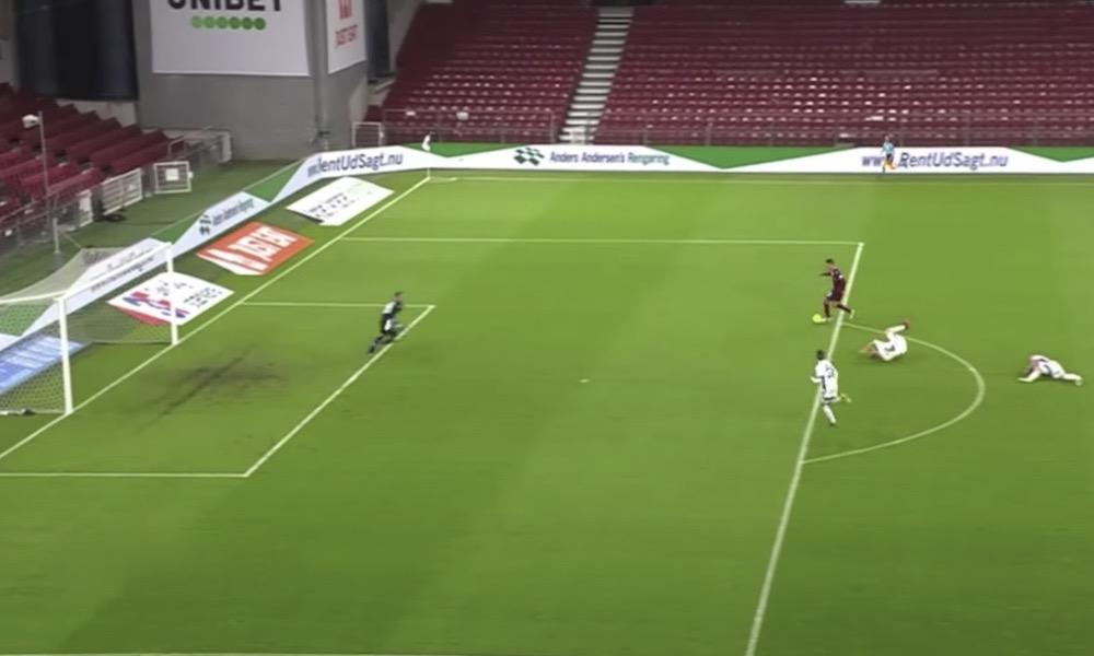 FC Kööpenhamina putosi Eurooppa-liigasta ja menetti miljoonia käsittämättömän koomisella omalla maalilla.