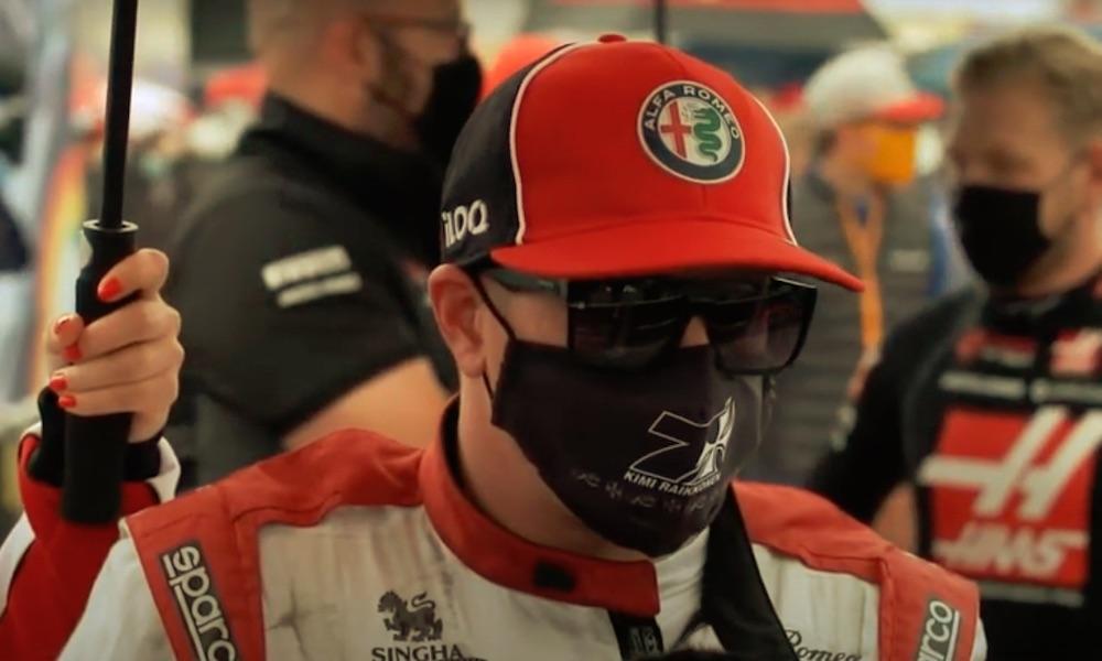 Kimi Räikkönen oli hämillään ylivoimastaan, jota hän osoitti ohittamalla Portugalin GP:n ensimmäisellä kierroksella kymmenen edeltä lähtenyttä kuljettajaa.