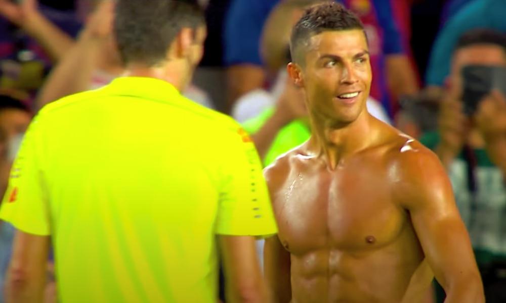 Cristiano Ronaldo nukkuu päivässä monta kertaa, mutta ei mitään pitkiä yöunia.