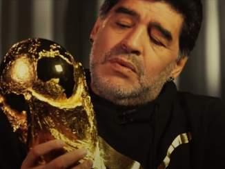 Napolin kotistadion nimetään Diego Maradonan mukaan, joka menehtyi sydänkohtaukseen.